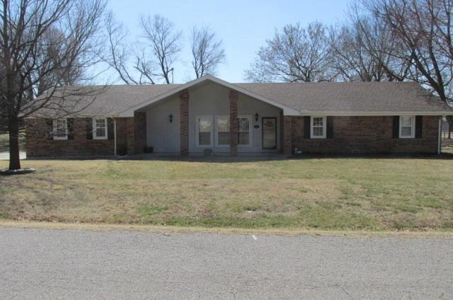 2205 Maplecrest, Arkansas City, KS 67005 (MLS #548245) :: Glaves Realty