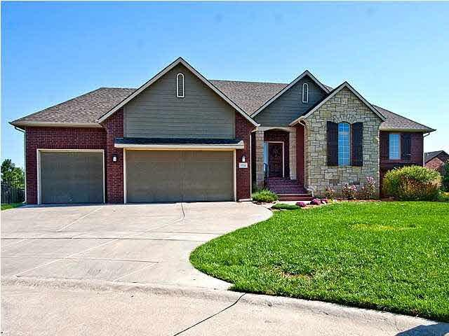 13716 E Mainsgate St, Wichita, KS 67228 (MLS #548303) :: Glaves Realty