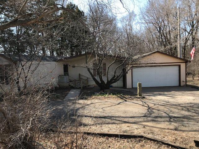 1013 Campbell Rd, Augusta, KS 67010 (MLS #548355) :: Select Homes - Team Real Estate
