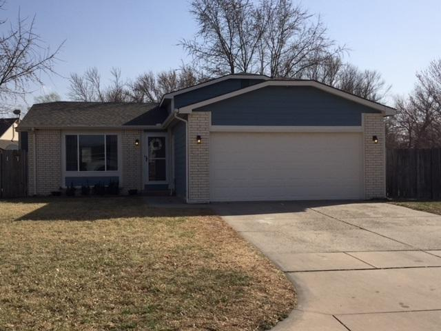 2056 S Fieldcrest Ct, Wichita, KS 67209 (MLS #548444) :: Select Homes - Team Real Estate