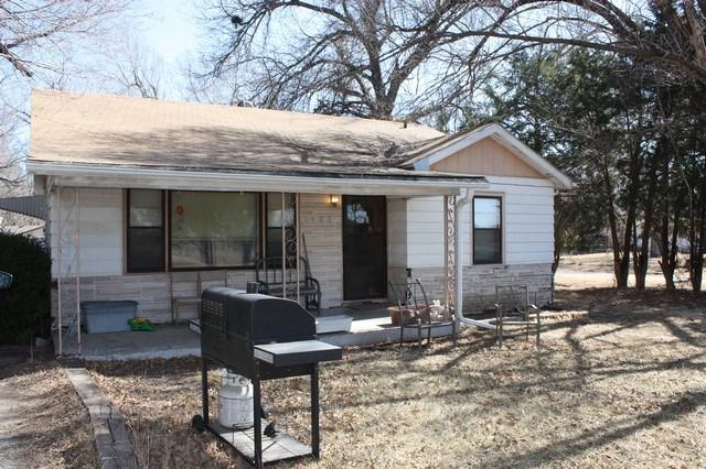 1520 N Topeka St, El Dorado, KS 67042 (MLS #548554) :: Better Homes and Gardens Real Estate Alliance