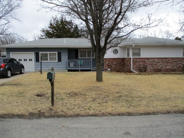 310 S Wilson, Hillsboro, KS 67063 (MLS #548574) :: Better Homes and Gardens Real Estate Alliance