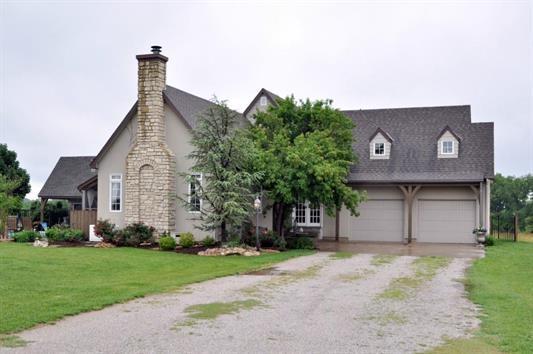 731 Whitetail Dr, Belle Plaine, KS 67013 (MLS #548601) :: Select Homes - Team Real Estate