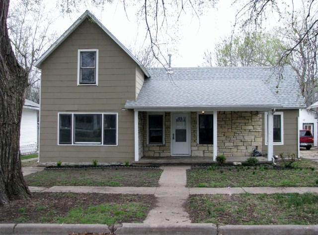 417 Iowa St, Winfield, KS 67156 (MLS #549248) :: Select Homes - Team Real Estate