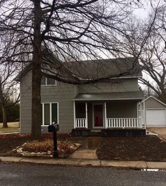 424 N Locust, Whitewater, KS 67154 (MLS #549424) :: Select Homes - Team Real Estate