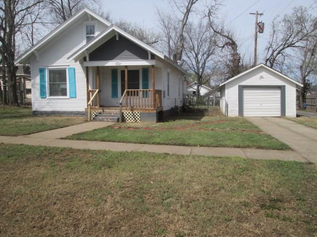 822 W Locust Ave., El Dorado, KS 67042 (MLS #549504) :: Glaves Realty
