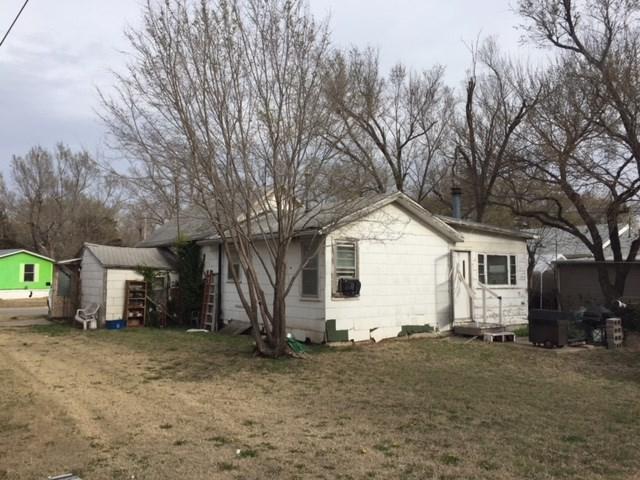 1219 N Logan St, Newton, KS 67114 (MLS #549776) :: Select Homes - Team Real Estate