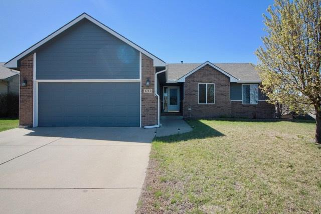 1712 N Cleary Ln, Goddard, KS 67052 (MLS #549926) :: Better Homes and Gardens Real Estate Alliance