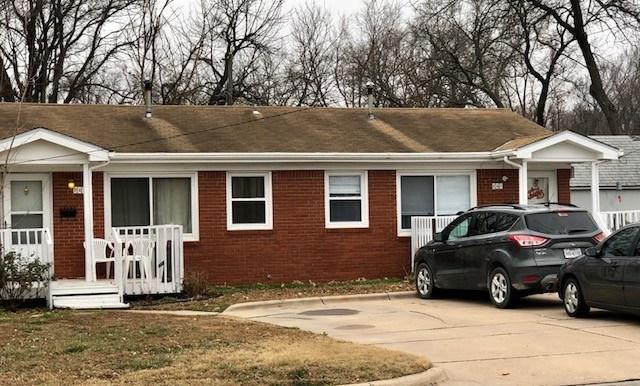 241 E Market St Includes 243 E , Derby, KS 67037 (MLS #550016) :: On The Move