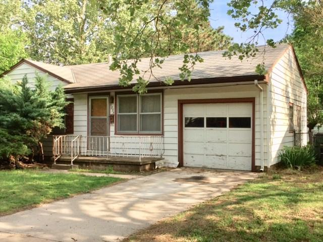 1233 E Crowley, Wichita, KS 67216 (MLS #551376) :: Select Homes - Team Real Estate