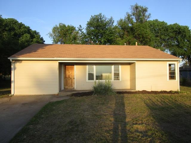 1508 Wilshire Dr, Hutchinson, KS 67501 (MLS #552200) :: Select Homes - Team Real Estate