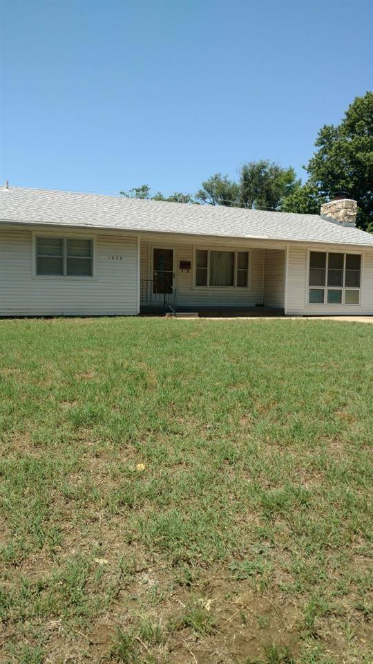1229 N D, Arkansas City, KS 67005 (MLS #552332) :: Select Homes - Team Real Estate