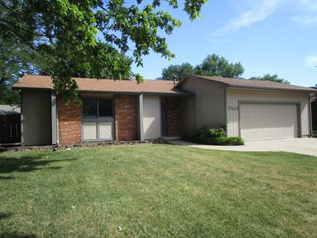 1503 N Skyview St, Wichita, KS 67212 (MLS #553594) :: Select Homes - Team Real Estate