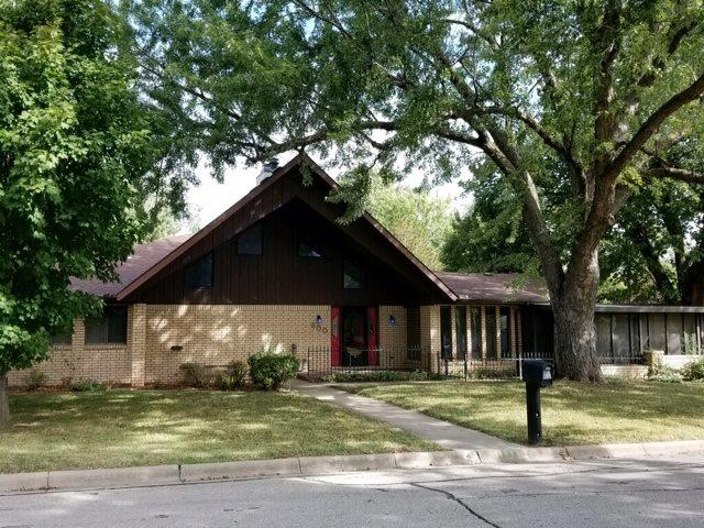 600 W 9TH, Newton, KS 67114 (MLS #553896) :: Select Homes - Team Real Estate