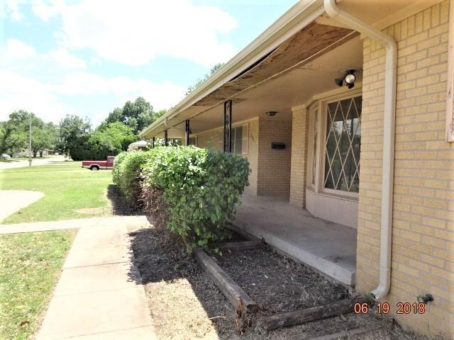 2401 N Roosevelt St, Wichita, KS 67220 (MLS #554310) :: Wichita Real Estate Connection