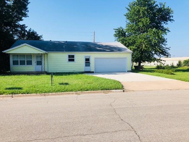 1501 E 8TH ST, Newton, KS 67114 (MLS #554546) :: Select Homes - Team Real Estate