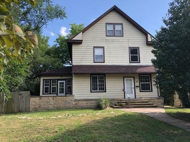 1523 E 12TH AVE, Winfield, KS 67156 (MLS #554865) :: On The Move