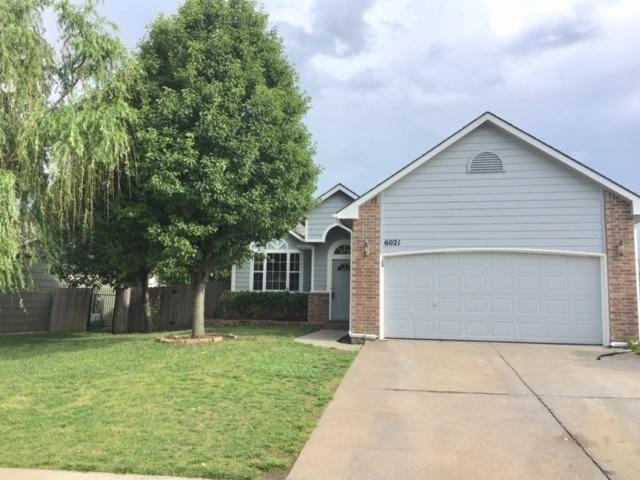 6021 E 41st Street, Bel Aire, KS 67220 (MLS #555195) :: Better Homes and Gardens Real Estate Alliance
