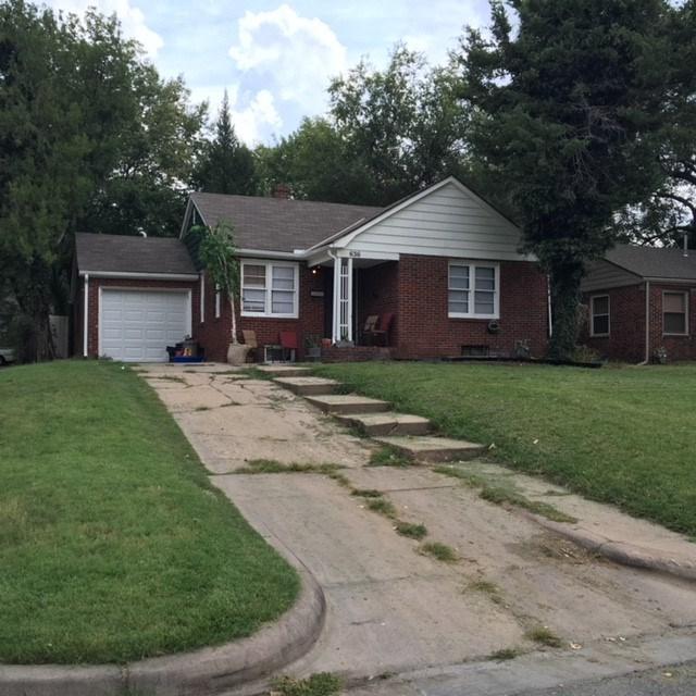 636 N Bluff St, Wichita, KS 67208 (MLS #555410) :: Better Homes and Gardens Real Estate Alliance