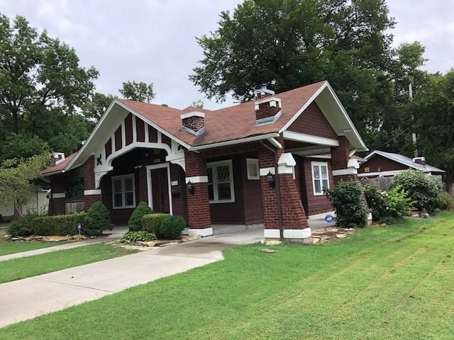 1321 E 11TH AVE, Winfield, KS 67156 (MLS #555489) :: Better Homes and Gardens Real Estate Alliance