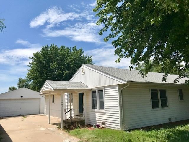 11005 S Osage Rd, Hutchinson, KS 67501 (MLS #556363) :: Select Homes - Team Real Estate