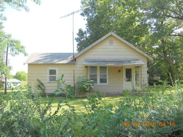 2633 Morningview Ave, Winfield, KS 67156 (MLS #556372) :: On The Move