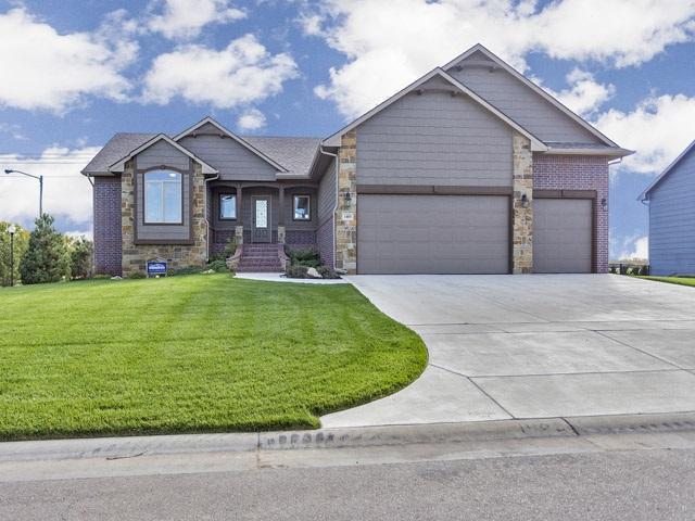 1403 N Blackstone Ct, Wichita, KS 67235 (MLS #556563) :: On The Move