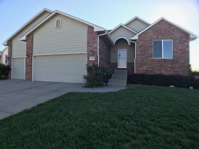 1218 S Horseback Cir, Wichita, KS 67230 (MLS #557128) :: Better Homes and Gardens Real Estate Alliance