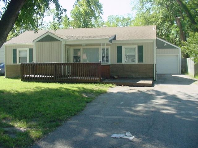 235 W Dwight Ct., Haysville, KS 67060 (MLS #557139) :: Select Homes - Team Real Estate
