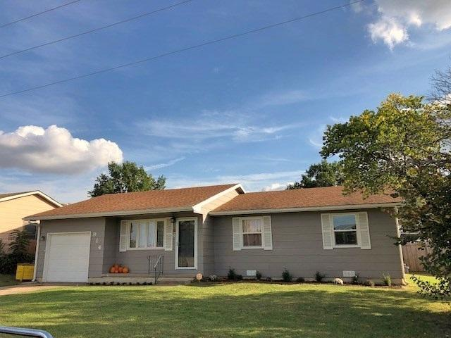 914 E Waldo St, Wellington, KS 67152 (MLS #557718) :: On The Move
