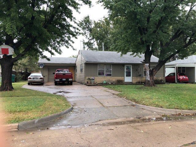 1010 S Edwards St, Wichita, KS 67213 (MLS #558040) :: On The Move