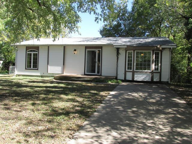 770 N Custer, Wichita, KS 67203 (MLS #558421) :: Better Homes and Gardens Real Estate Alliance