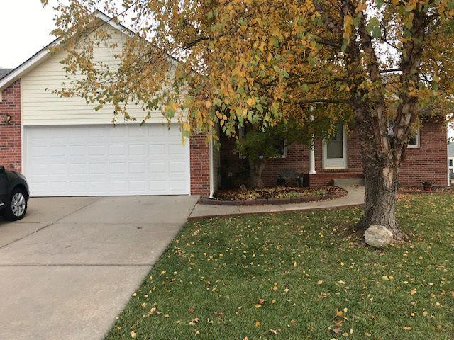 350 S Clubhouse Cir, Andover, KS 67002 (MLS #559327) :: Select Homes - Team Real Estate