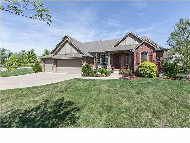 1505 S Auburn Hills Ct, Wichita, KS 67235 (MLS #561486) :: On The Move