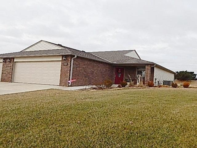 3613 Lakeshore Dr, Winfield, KS 67156 (MLS #561952) :: On The Move