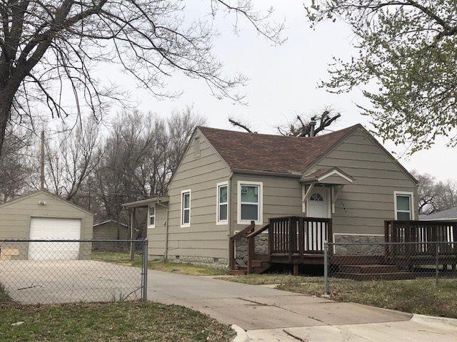 2547 N Waco, Wichita, KS 67204 (MLS #564537) :: On The Move