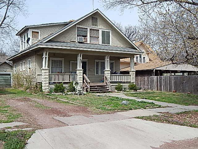 915 Stewart St, Winfield, KS 67156 (MLS #564604) :: Lange Real Estate