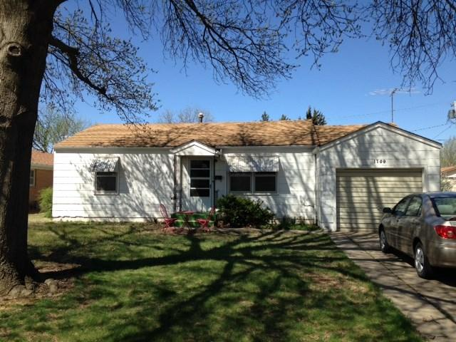 1709 N Main, Kingman, KS 67068 (MLS #565972) :: On The Move