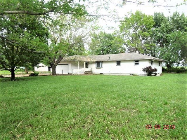 3206 S Kansas Rd, Newton, KS 67114 (MLS #566843) :: On The Move