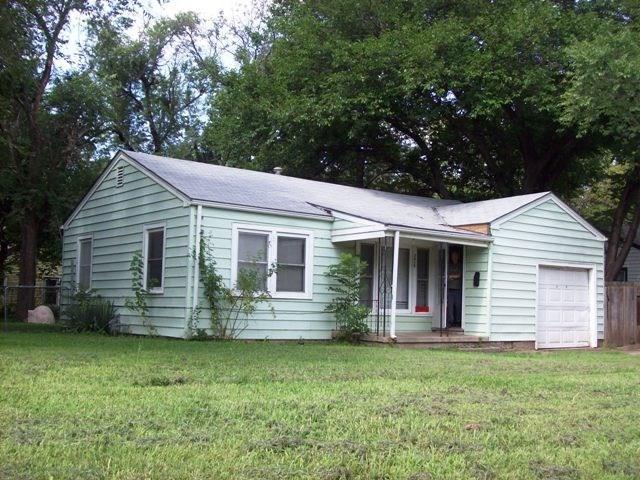 3019 E Glen Oaks, Wichita, KS 67216 (MLS #568047) :: Pinnacle Realty Group