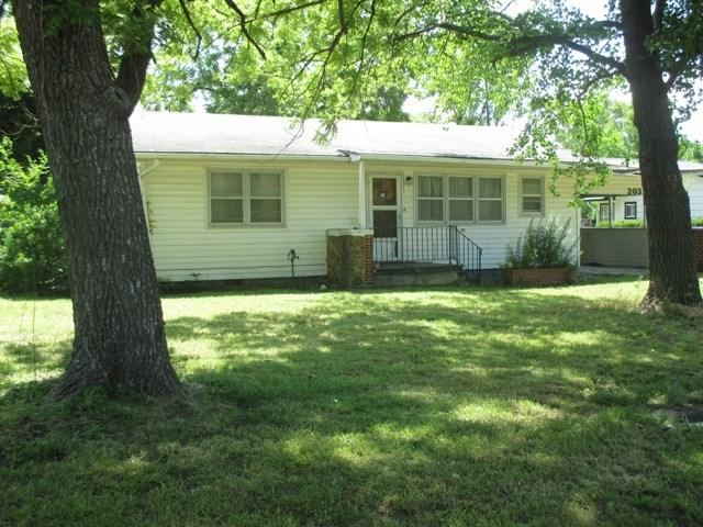 203 S Walnut, Howard, KS 67349 (MLS #568173) :: On The Move