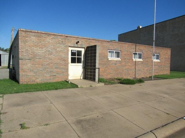 409 N Main St, Garden Plain, KS 67050 (MLS #568649) :: Graham Realtors