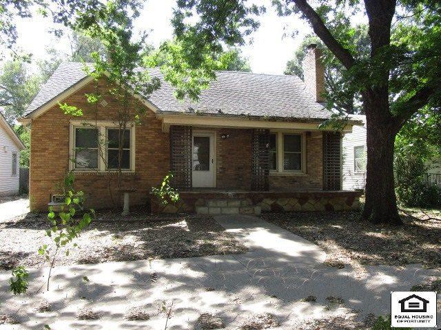 717 S Belmont St, Wichita, KS 67218 (MLS #570668) :: Wichita Real Estate Connection