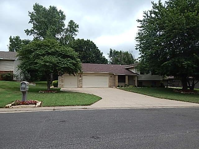 708 E 34th Ave, Winfield, KS 67156 (MLS #570833) :: Lange Real Estate