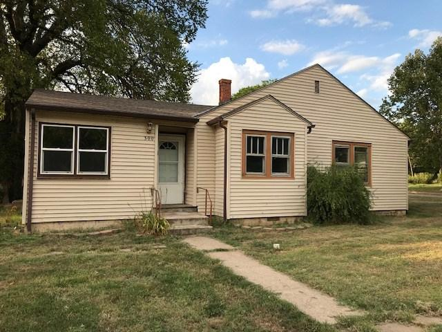 300 W F Ave, Kingman, KS 67068 (MLS #570869) :: On The Move