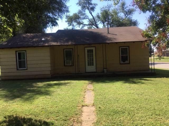 723 W 11th St, Harper, KS 67058 (MLS #572349) :: Lange Real Estate