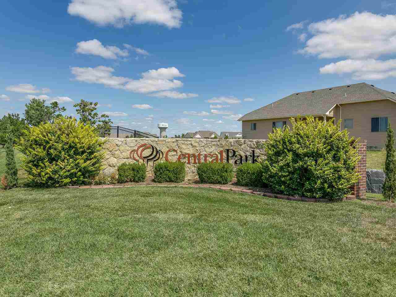 5047 Colonial Ct - Photo 1