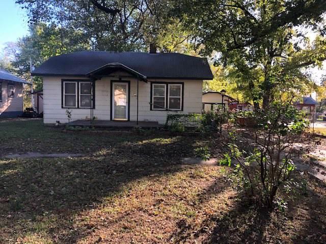 920 S D St, Arkansas City, KS 67005 (MLS #573722) :: Lange Real Estate