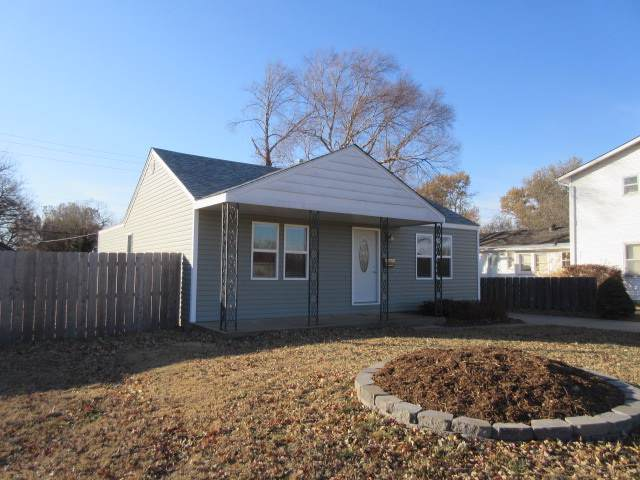 1041 S Roosevelt, Wichita, KS 67218 (MLS #574659) :: Lange Real Estate