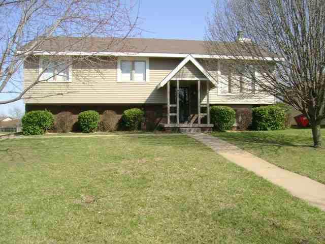 8669 E Chalet Ct, Wichita, KS 67207 (MLS #575485) :: Lange Real Estate